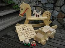 schönes Holzspielzeug