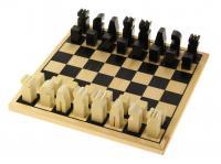 Schachspiel aus eigener Produktion in edlem Design