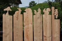 Dekorative Zaunelemente aus Lärchenholz
